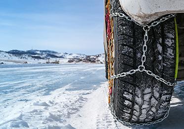 Kako postaviti lance za snijeg na kotače?