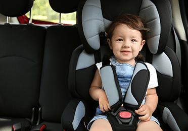 Postavljanje sjedalica za djecu u automobil
